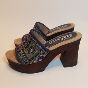 Sbicca Buena Vista platform heeled sandals